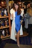 Доля магазина Дисней старт кампании призрения волшебных детей в Лондоне стоковое фото rf
