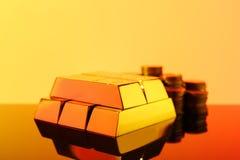 Драгоценное сияющее золото в слитках стоковые изображения rf