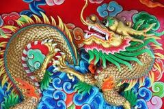 Дракон в китайском виске, Таиланде стоковое фото rf