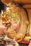 Дракон в mongkol Pra Maha Chedi Chai Стоковое Фото