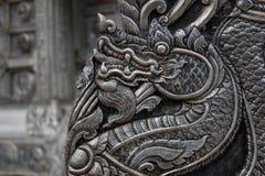 Дракон серебряной статуи тайский Стоковое фото RF