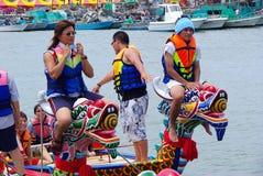 дракон шлюпки участвует в гонке taiwan Стоковое Фото