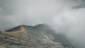 Драматическая гора Ijen Стоковая Фотография