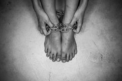 Драматическая деталь прикованных ног Стоковые Фотографии RF