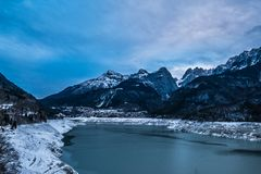 драматическая зима ландшафта Стоковые Изображения