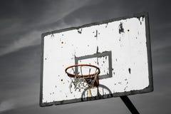 Драматическая корзина баскетбола Стоковые Изображения
