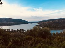 Драматическая панорама на озере Angitola Стоковая Фотография