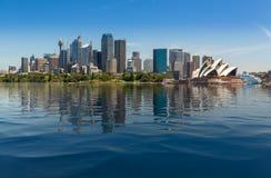 Драматическая панорамная гавань Сиднея фото стоковые изображения