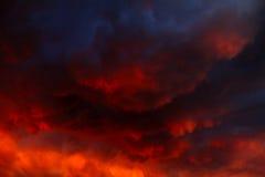 Драматическая предпосылка облаков Стоковое фото RF