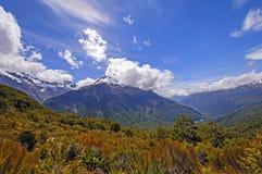 Драматические горы от высокогорной тропки стоковое изображение