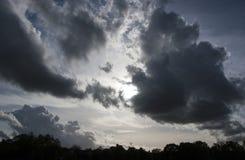 Драматические облака кумулюса Стоковые Изображения RF