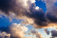 Драматический заход солнца лета стоковая фотография