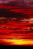 драматический заход солнца Стоковые Фотографии RF