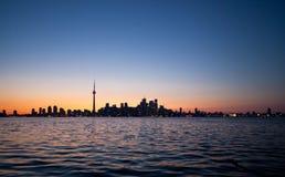 Драматический заход солнца, Торонто, Канада Стоковое Фото