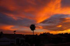 Драматический заход солнца и небо восхода солнца Стоковые Изображения