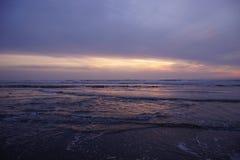 Драматический заход солнца океана Стоковое Изображение
