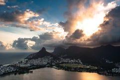 Драматический заход солнца Рио-де-Жанейро Стоковые Изображения RF