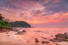 Драматический Seascape восхода солнца стоковые фотографии rf