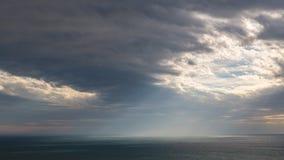 Драматическое небо над морем Стоковые Фотографии RF