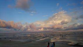 Драматическое небо на пляже Стоковая Фотография RF
