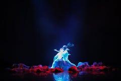 Драма танца лучников- стоковая фотография