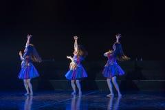 Драма танца танца 1-Lilac ванны Li стоковые изображения rf