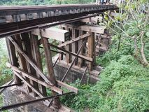 Древесина года сбора винограда поезда железнодорожного моста Стоковое фото RF