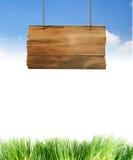 древесина знака hang Стоковая Фотография