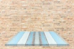 Древесина или столешница планки с запачканной синтетической стеной Стоковое Изображение RF