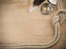 древесина корабля веревочек компаса Стоковая Фотография