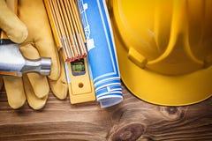Древесина молотка с раздвоенным хвостом перчаток безопасности шлема здания технического чертежа Стоковое Фото