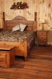 древесина старой сосенки спальни установленная Стоковые Фотографии RF