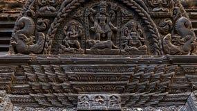древесина Таиланда рассказа картины жизни carvings стоковое фото
