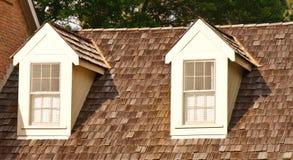 древесина трасучки 2 крыши dormers стоковая фотография rf