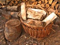 древесины уравновешенные корзиной Стоковое фото RF