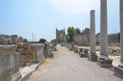 Древний город Антальи Perge, агора, старая римская империя, столбцы отдыхает в больших зданиях Стоковое Изображение