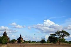 Древний город в Bagan (языческом), Мьянме с над 2000 пагодами и висками Стоковая Фотография