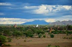 Древний город в Bagan (языческом), Мьянме с над 2000 пагодами и висками Стоковые Изображения RF