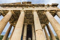 Древний храм агоры Афин Греции столбцов Hephaestus стоковые изображения rf