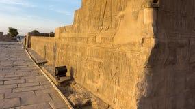 Древний храм в Египте гравировки Стоковые Фото