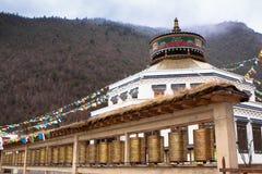 Древний храм в стиле Тибета на долине голубой луны Стоковые Фотографии RF