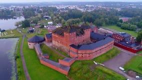Древняя крепость - тюрьма Hameenlinna, видео утра в июле воздушное Финляндия видеоматериал