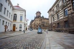 22 01 2018 Дрезден, Германия - историческое старое здание полиции De Стоковая Фотография