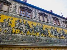 Дрезден, Германия - 31-ое декабря 2017: Дрезден, Германия Georgentor и шествие принцев первое из ` s города стоковые фото