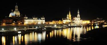 Дрезден на ноче стоковое изображение