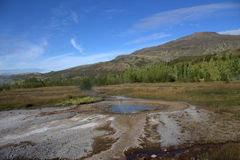 Дремлющее Geysir в Исландии Стоковые Изображения
