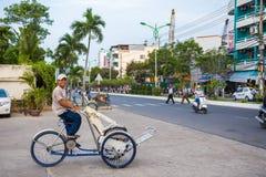 Дружелюбная рикша на улицах Nha Trang Стоковая Фотография RF