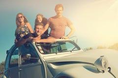 Друзья в автомобиле Стоковые Изображения