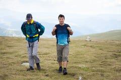 Друзья Hikers Стоковые Изображения