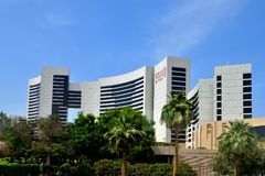 Дубай, ОАЭ - 8-ое апреля 2018 Взгляд гостиницы грандиозного Hyatt Стоковая Фотография